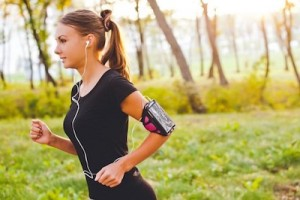 5 Must-Have Items for Every Runner's Kit Headphones