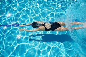 caring-for-your-swimsuits-chlorine-effects