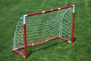 christmas-gift-for-the-avid-football-player-mini-goal