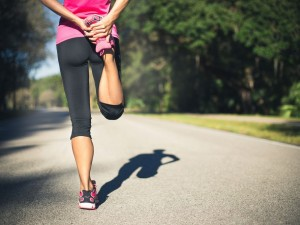energising-your-body-pre-and-post-run-female-runner