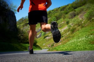 helpful-tips-for-running-up-and-down-hills-steady-down