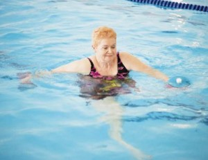 swimming-to-help-ease-chronic-pain-water-walking