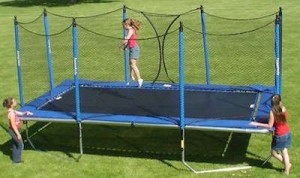 trampoline-workouts-kids-playing