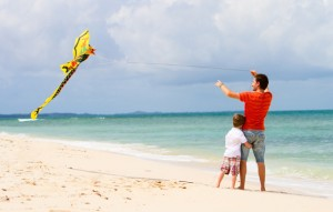 why-spring-is-perfect-for-families-to-fly-a-kite-beach