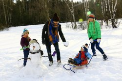 family outdoor activities winter